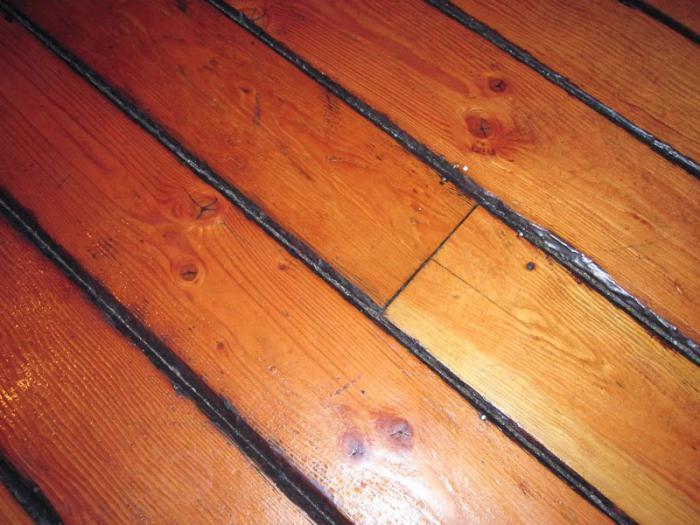 Как устранить щели в деревянном полу: материалы и особенности реставрационного процесса