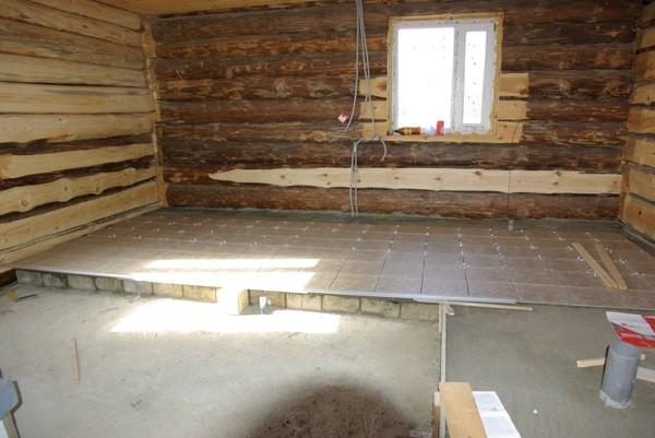 Укладка керамической плитки на деревянный пол в бане