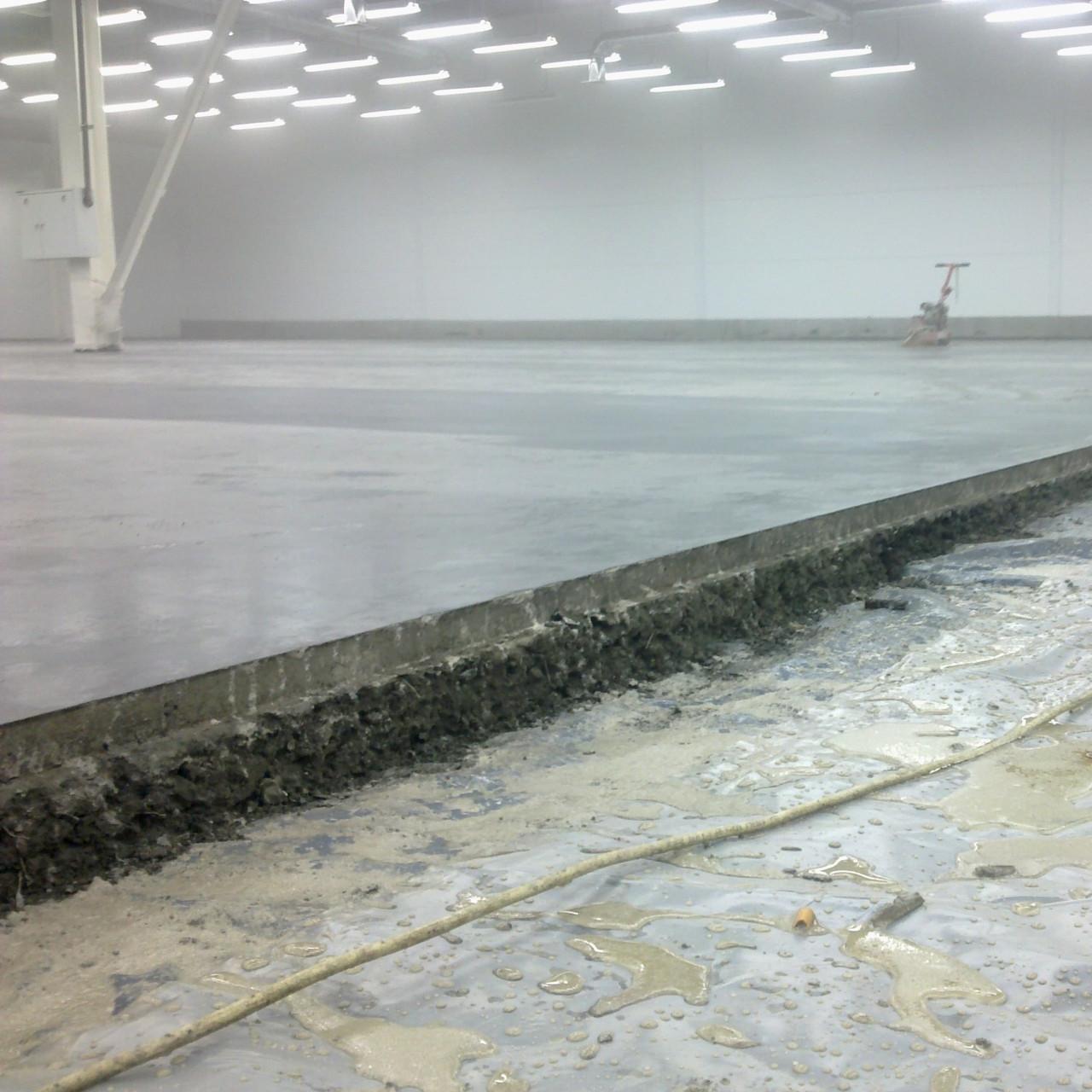 Как сделать бетонную стяжку пола - пошаговое руководство и инструкция!