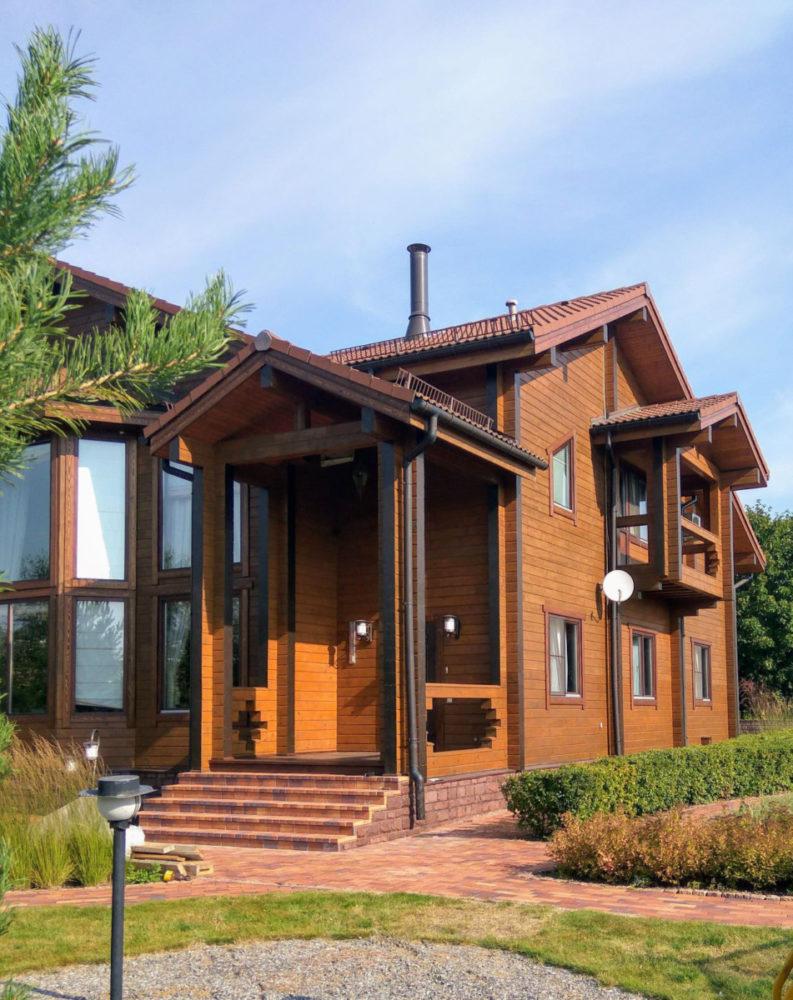 Чем заманчиво строительство дома из клееного бруса? изучаем некоторые проекты и примерные цены
