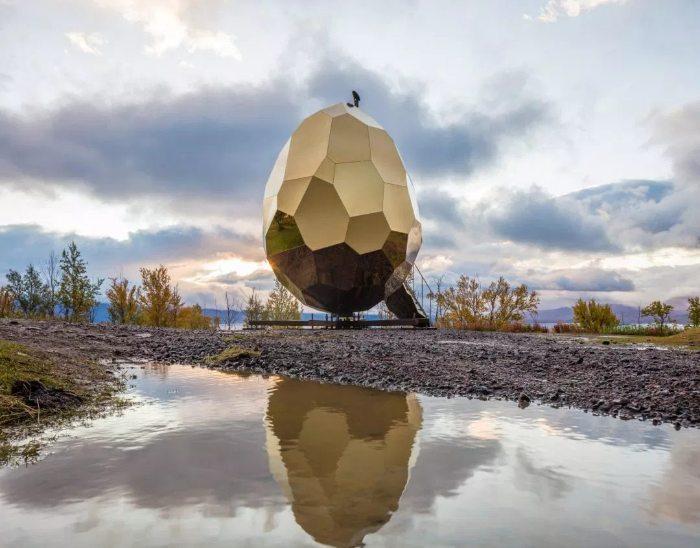 """""""треснутые"""": на смену """"прилипалам"""" в 2020 году приходят яйца! найдите золотое яйцо!"""
