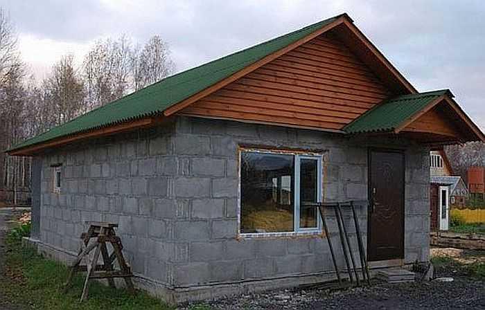Баня из шлакоблока своими руками; этапы возведения; тонкости постройки