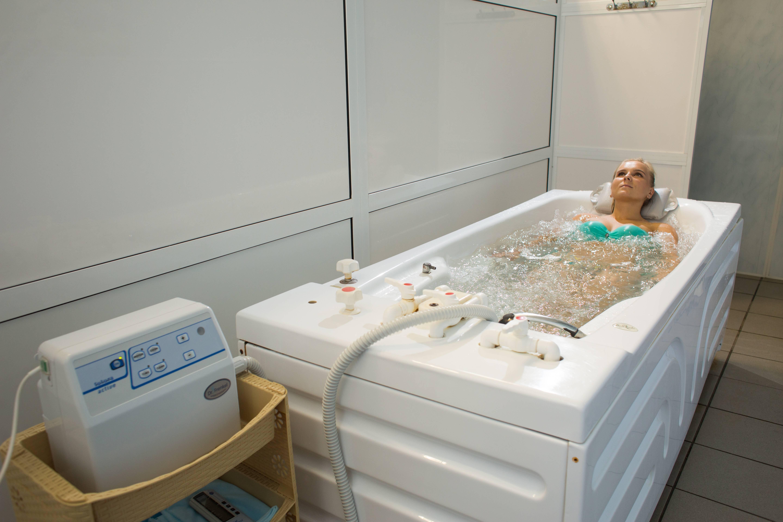 Душ шарко – лечебная процедура, продуманная до мелочей