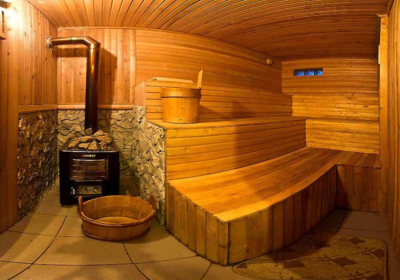 Баня на дровах. чем полезна и отличается от других типов.