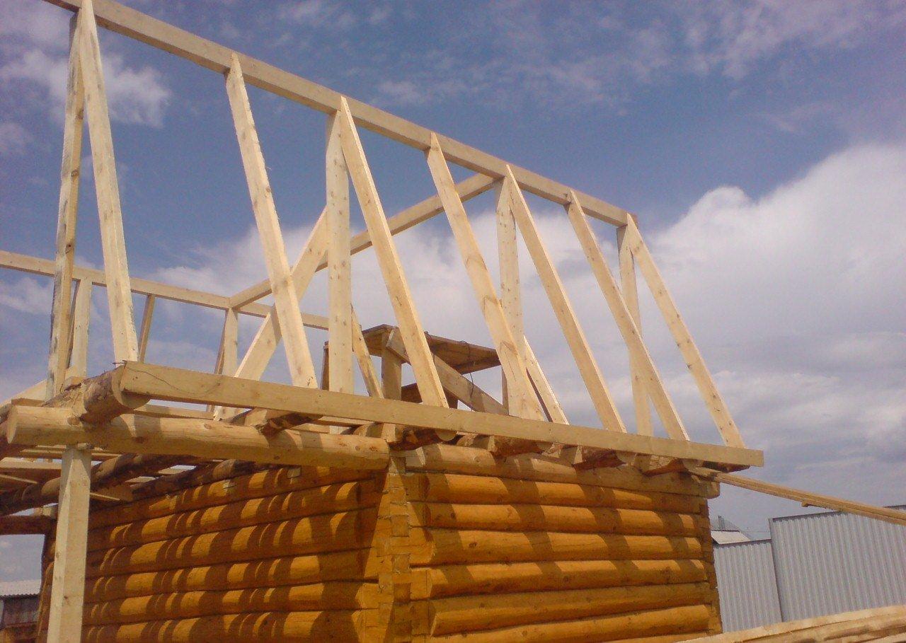 Стропила на баню: как сделать их на двускатную и односкатную крышу? способы установки стропильных систем своими руками