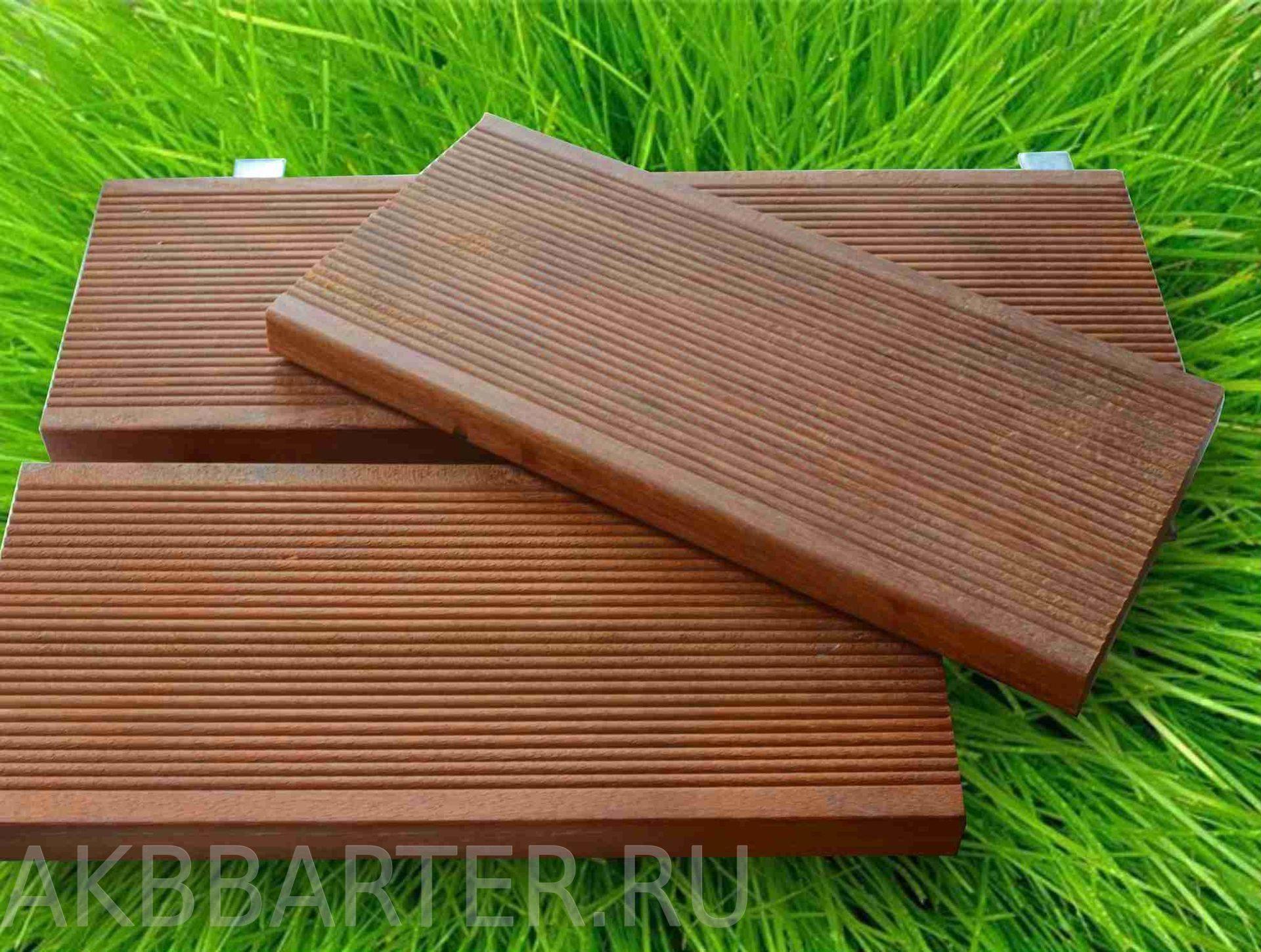 Террасные доски из дпк: текстура пластиковых бесшовных досок, древесно-полимерный композитный декинг для веранды и других мест. что это такое?