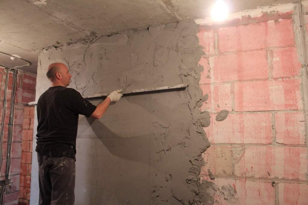 Выравнивание стен своими руками – четыре популярных способа
