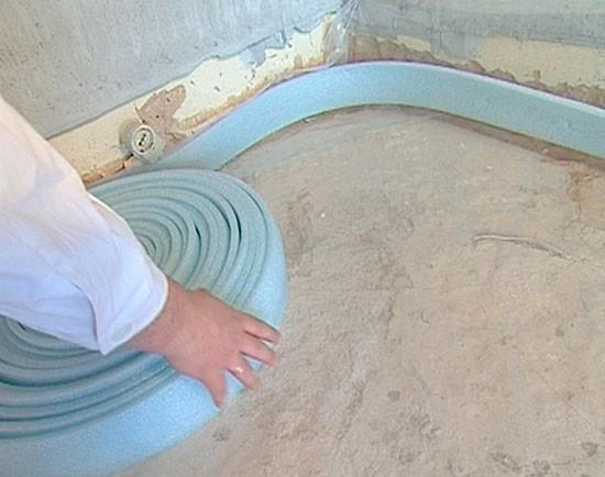 Нужна ли демпферная лента для наливного пола и монтаж кромочной полимерной ленты