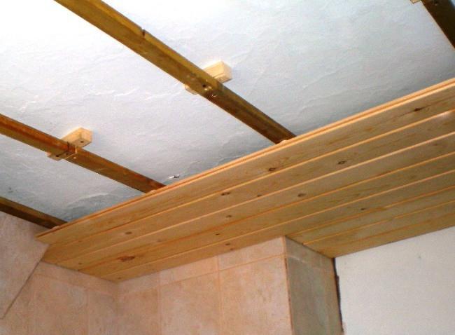 Подробная инструкция по обшивке потолка вагонкой