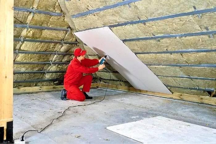 Как утеплить крышу бани: выбор материала и способа