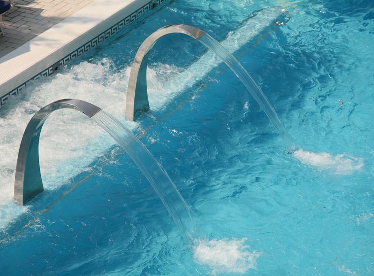 Основы ухода за бассейном: средства дезинфекции, способы очистки и подготовка бассейна к эксплуатации