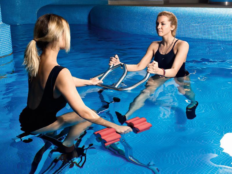 Плавание в бассейне для похудения — что делать и как заниматься