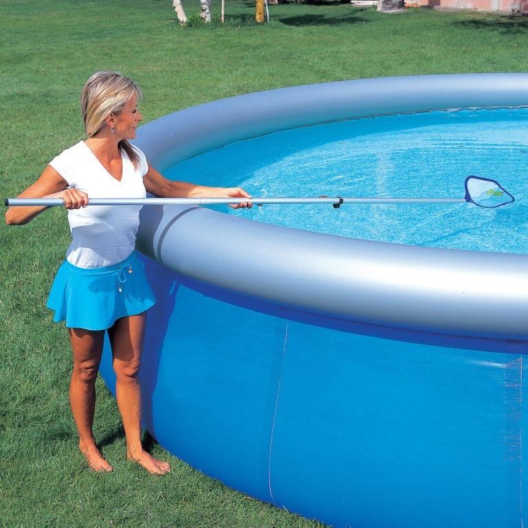 Профессиональная чистка бассейна: необходимые материалы и этапы