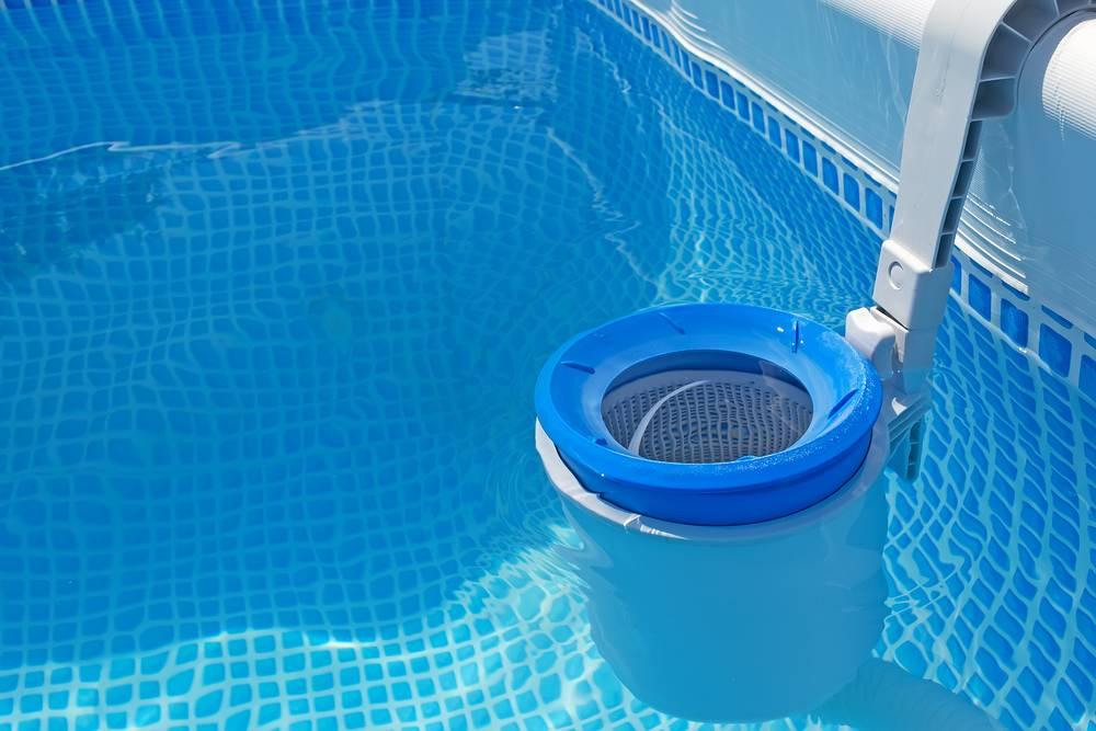 Чистка бассейнов: как почистить бассейн, где можно заказать услугу и сколько это стоит?