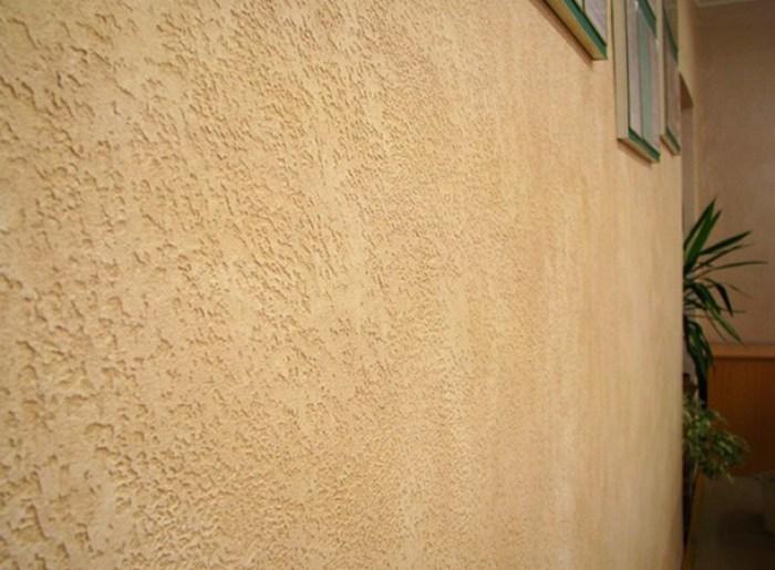 Декоративная штукатурка «короед» для внутренней и фасадной отделки стен компании церезит и других: цвета, расход, технология нанесения и как своими руками наносить?