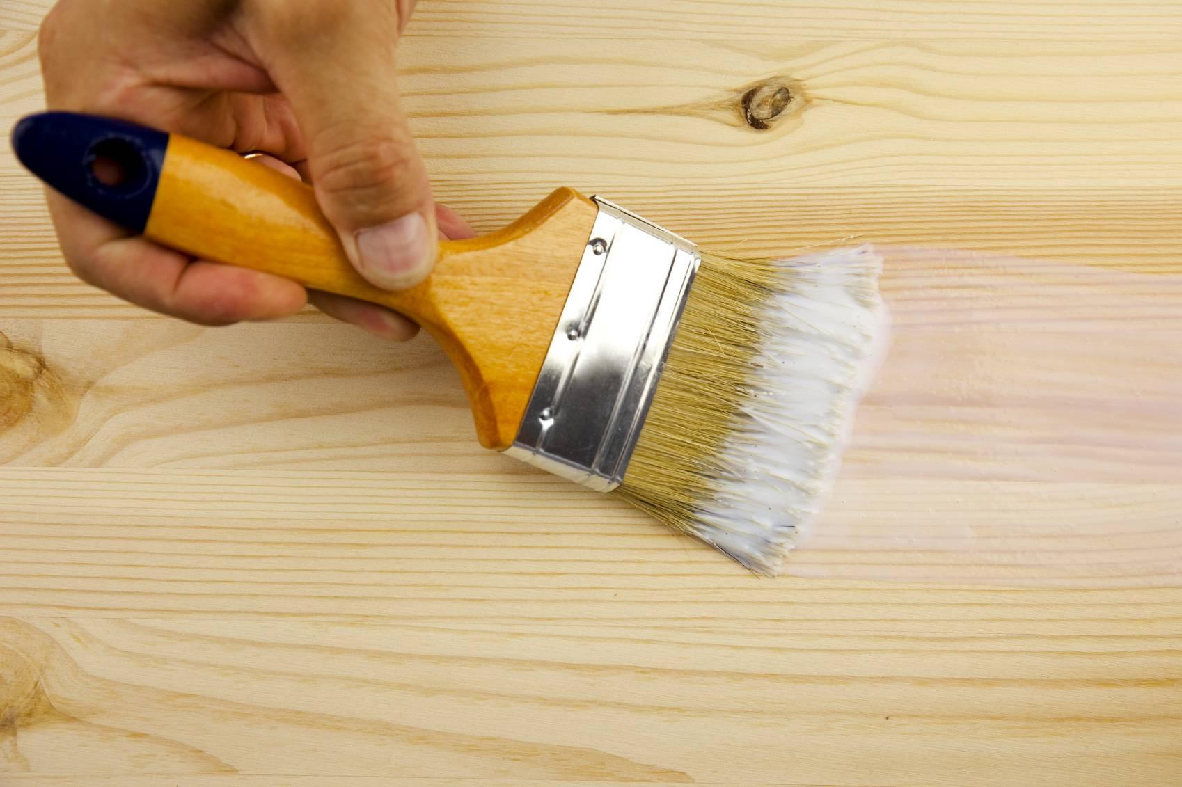 Краска для дерева: виды, инструменты и технология нанесения