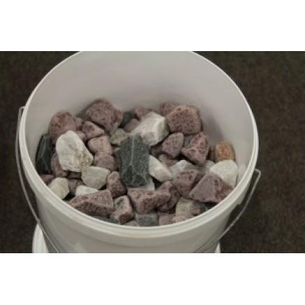 Малиновый кварцит для бани: свойства белого и розового