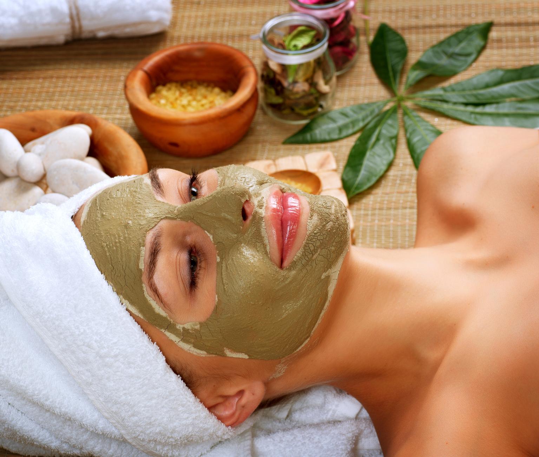 Самые эффективные омолаживающие маски для лица в домашних условиях: лучшие рецепты