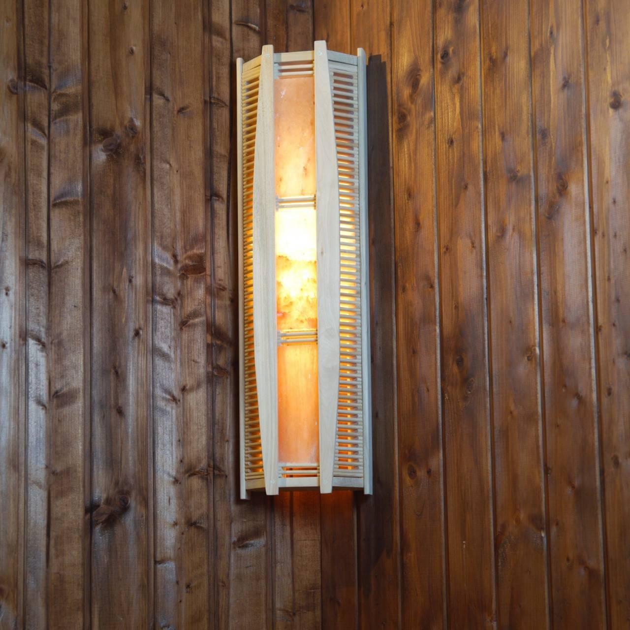 Светильник для сауны должен быть термостойкий - причины, а также подробные сведения обо всех составляющих - в статье. поможем выбрать лучшее на рынке