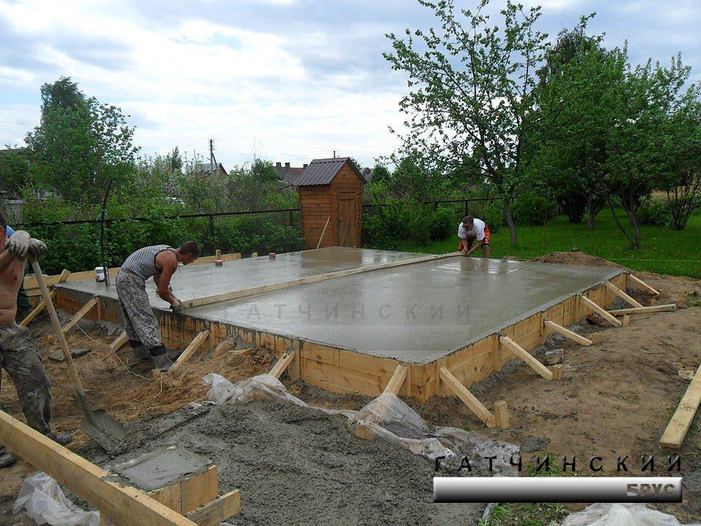 Плитный фундамент под баню: его устройство, строительство, плюсы и минусы