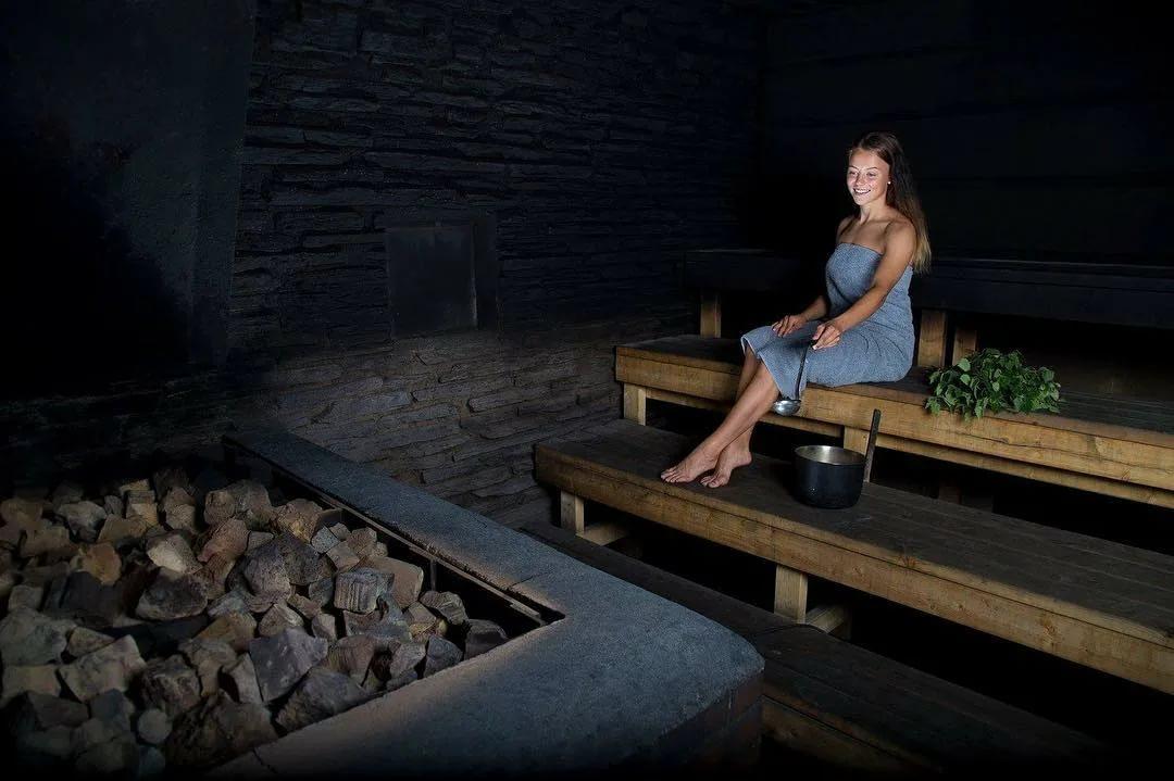 Русская баня по черному: что это значит, какие плюсы, в чем польза и вред
