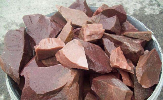 Малиновый кварцит — идеальный камень для бани