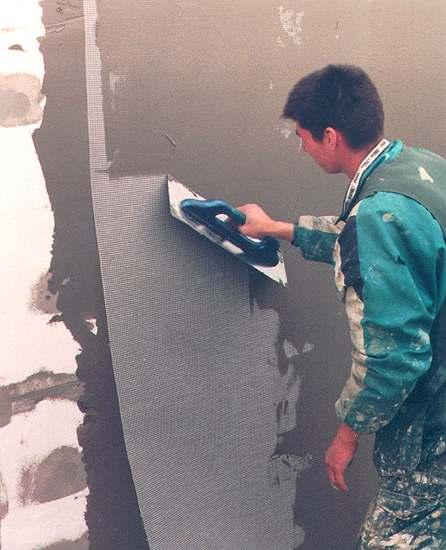 Штукатурка по пеноплексу для фасадов и внутренних стен помещений: как выбрать и нанести клеящую смесь