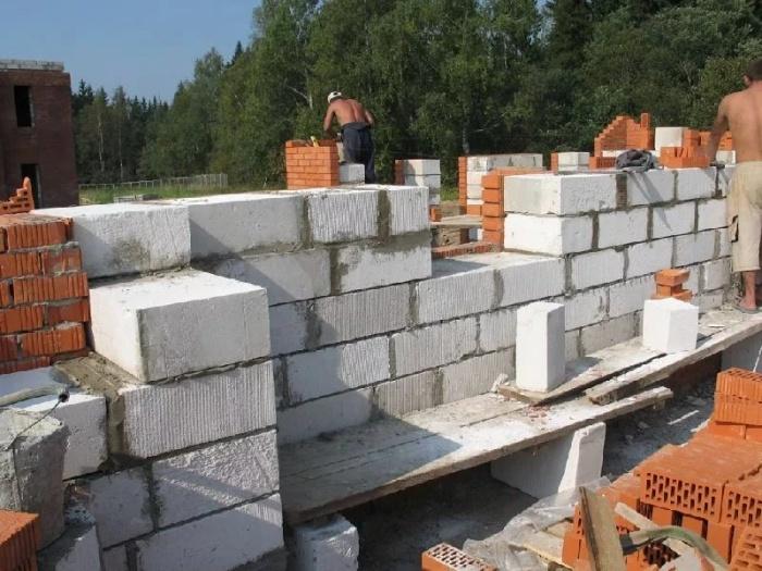 Выбираем пеноблоки: плюсы и минусы популярного строительного материала