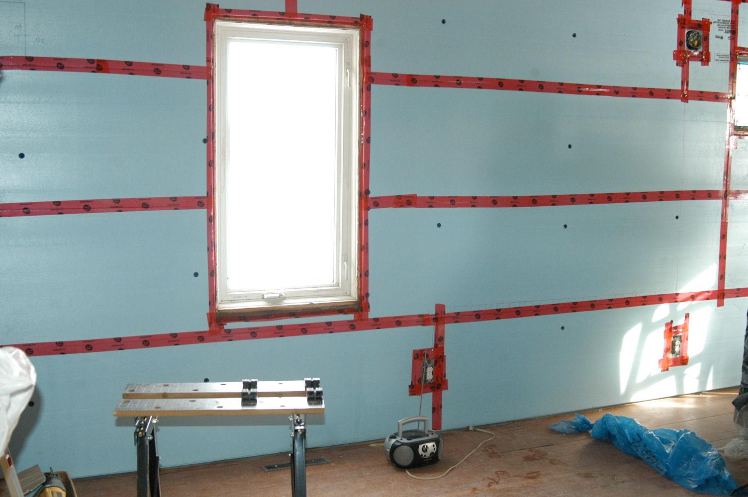 Экструдированный пенополистирол для утепления стен: как крепить пенопласт к стене
