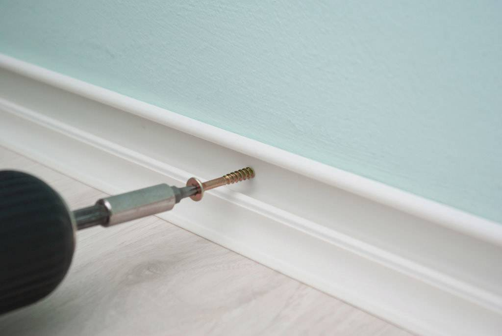 Выбор и порядок крепления кабель-канала к стене