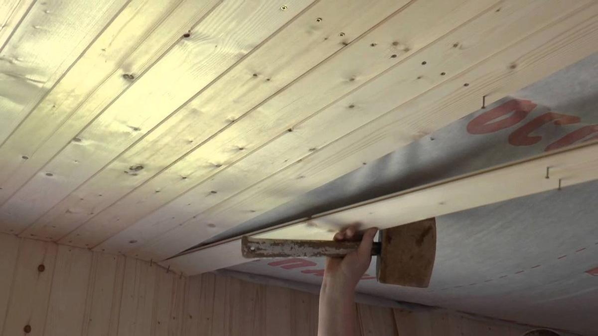 Подшивка потолка доской своими руками: основные правила.