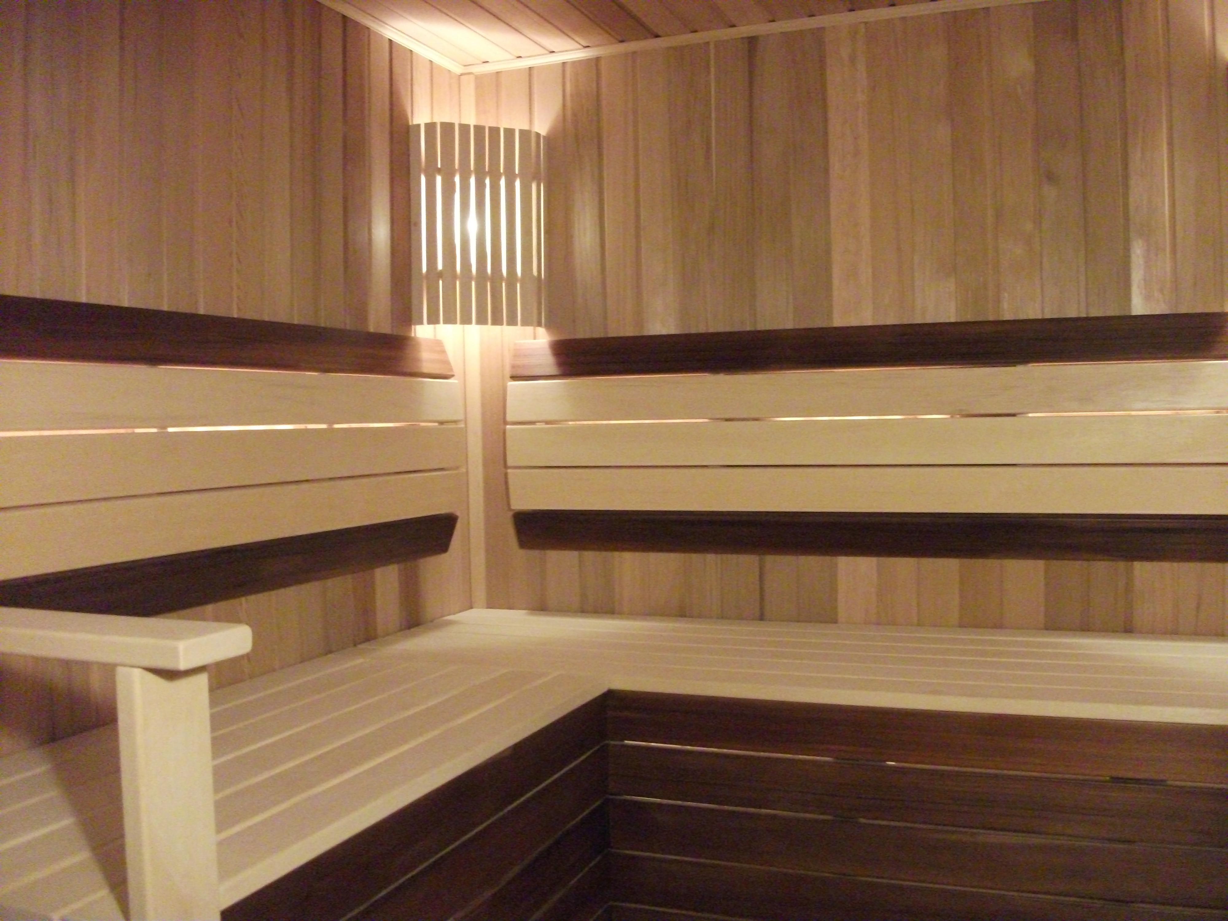 Полок в бане: виды, особенности, критерии выбора