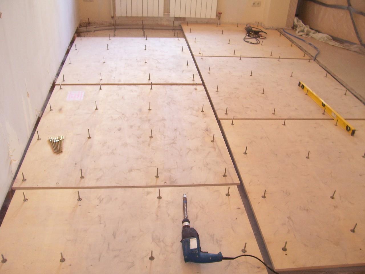Укладка фанеры на бетонный пол: необходимые материалы и возможные способы