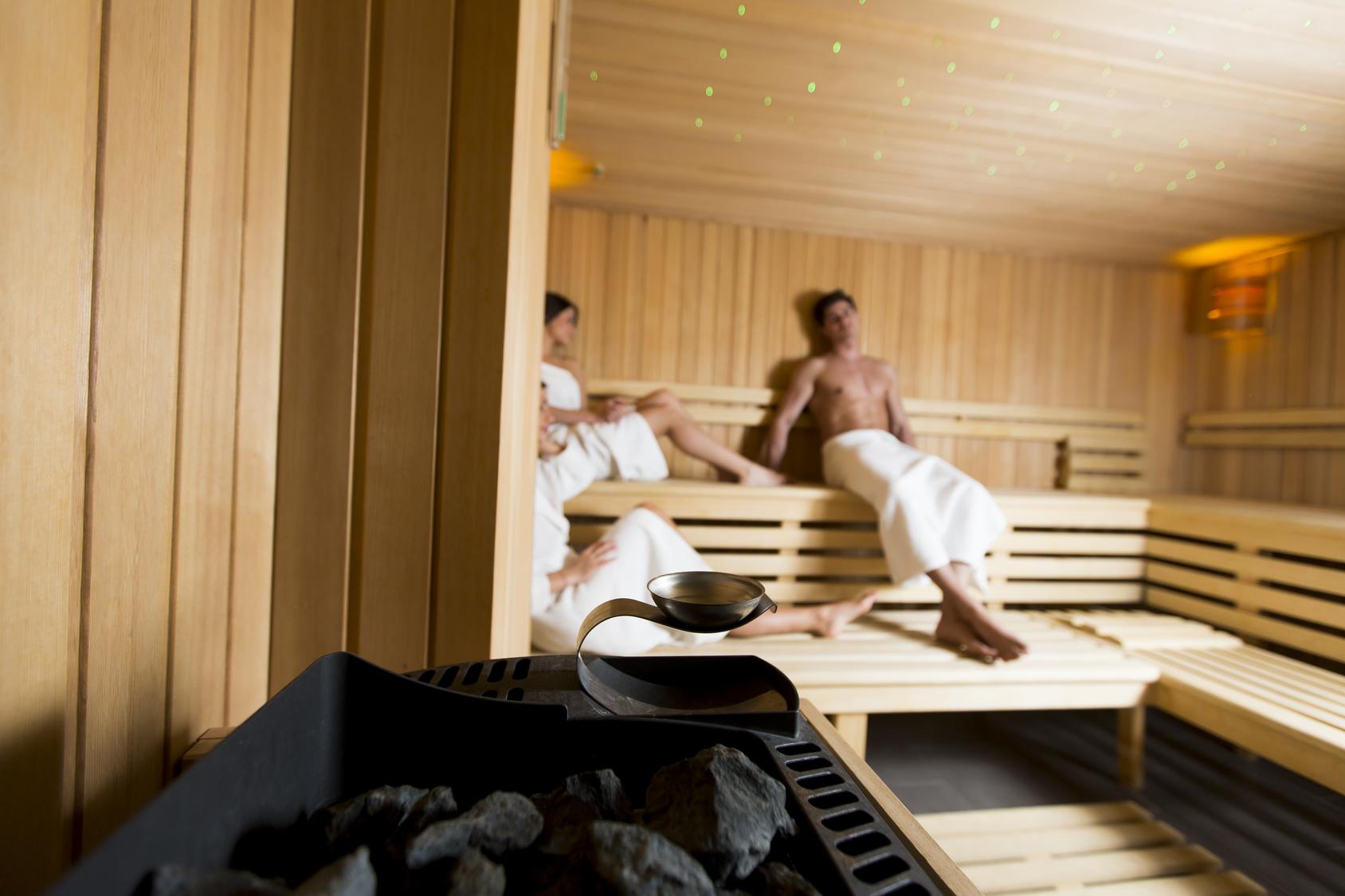 Чем полезна баня для организма: влияние на здоровье мужчин и женщин