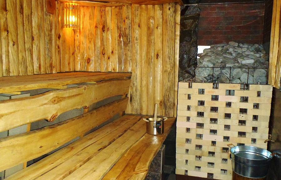 Баня в деревне: история, традиции и правила посещения