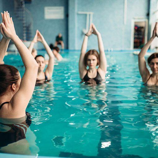 Аквааэробика для похудения: упражнения, показания, отзывы, фото, видео – все, что нужно знать