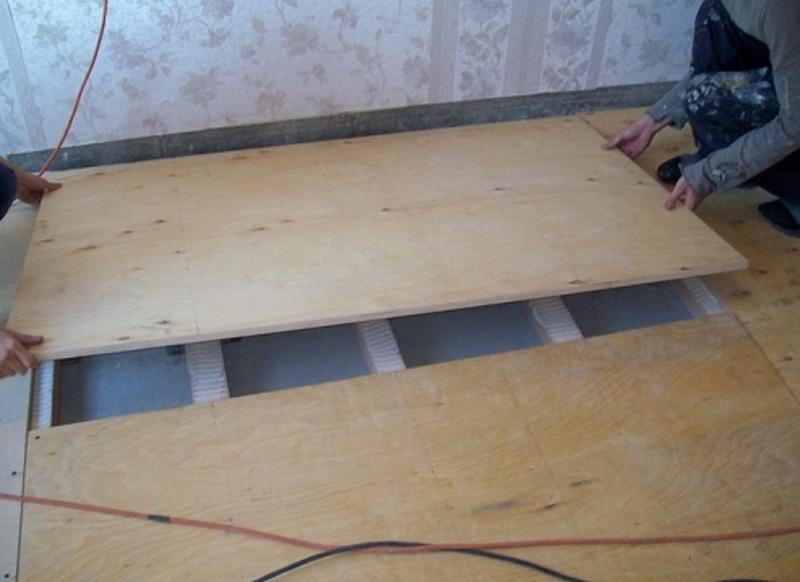 Как стелить фанеру на деревянный и бетонный пол