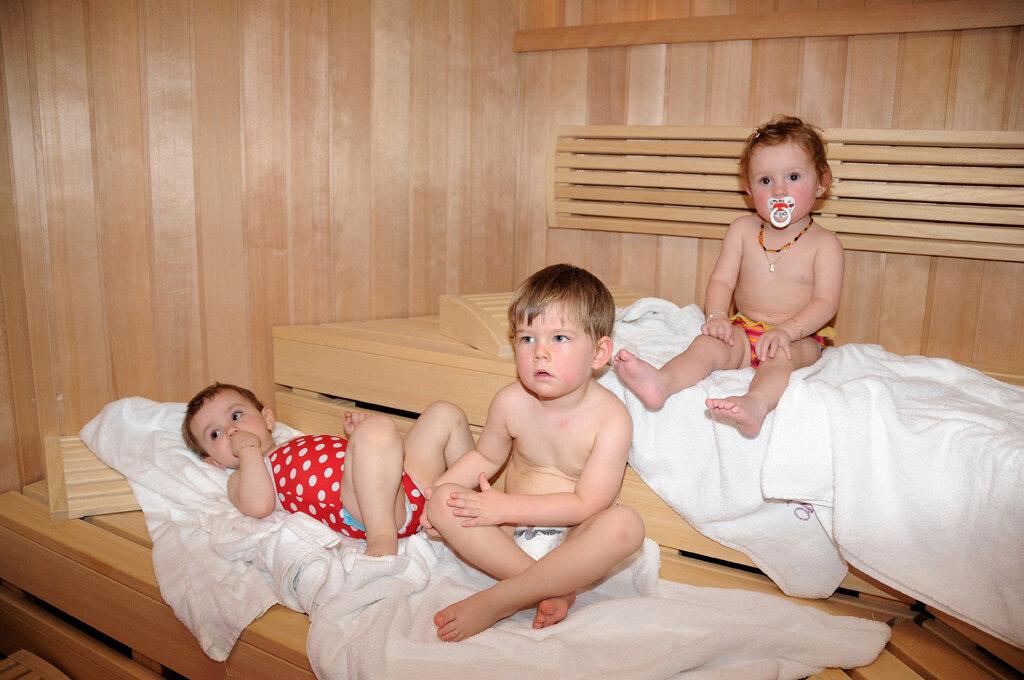 С какого возраста можно ребёнку посещать баню
