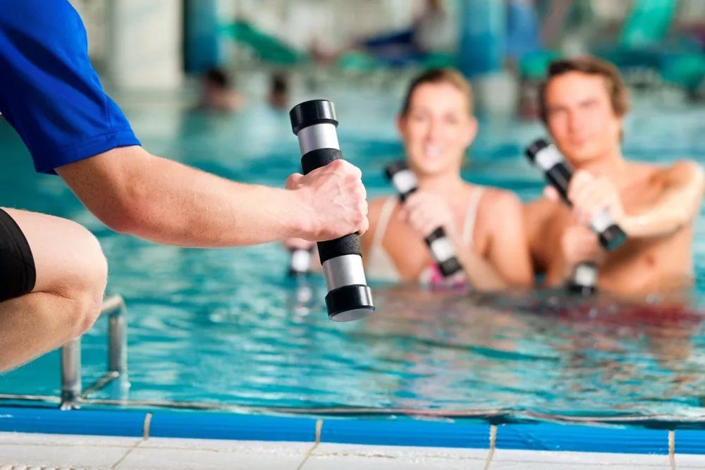 Как плавать в бассейне, чтобы похудеть: упражнения и рекомендации