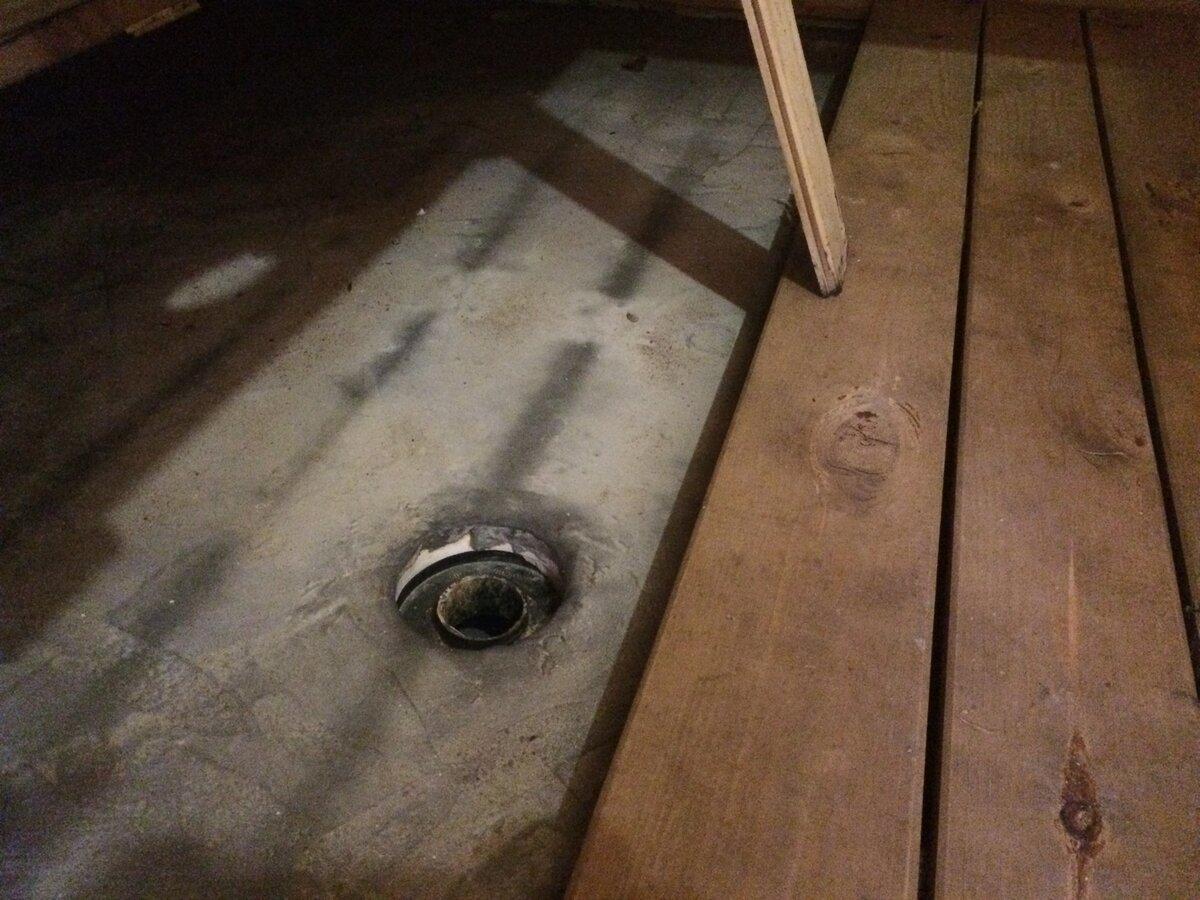 Слив в бане с гидрозатвором