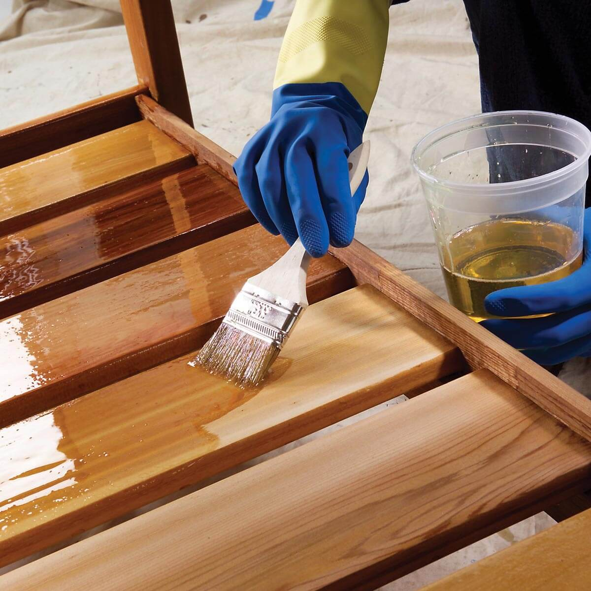 Вощение древесины: составы, назначение, технологоя нанесения
