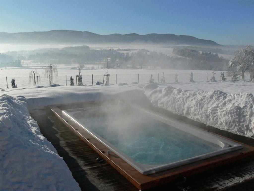 10 лучших отелей с подогреваемым бассейном в подмосковье