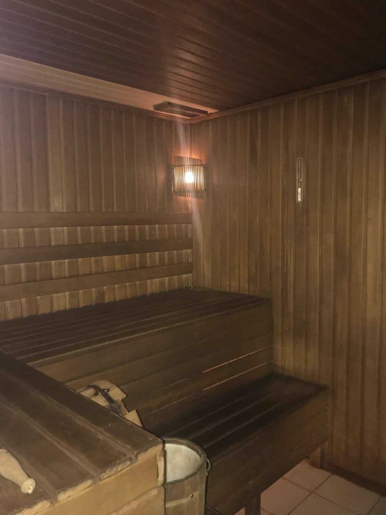 Бани в гараже (44 фото): проекты сауны с гаражом под одной крышей. как сделать баню в подвале гаража своими руками?