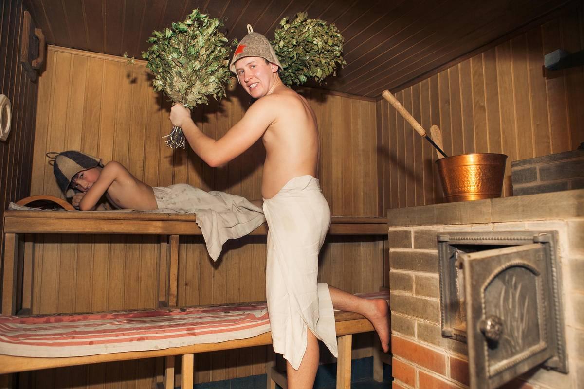 Баня при бронхите: можно ли ходить или греться в сауне