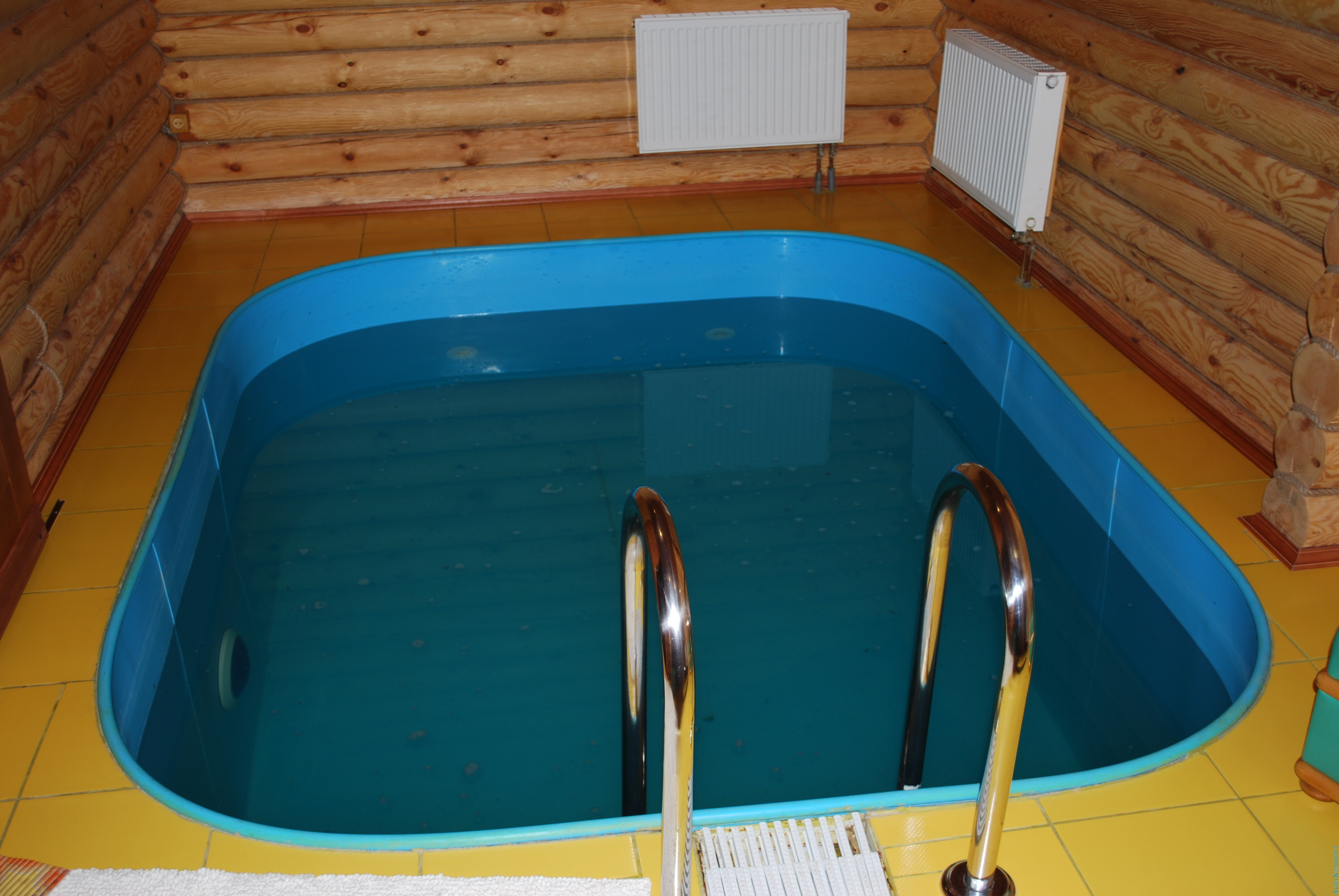 Пристройка бассейна к бане: типы резервуаров, которые можно пристроить, типы пристроек, а также сложности для бани с пристроенным бассейном