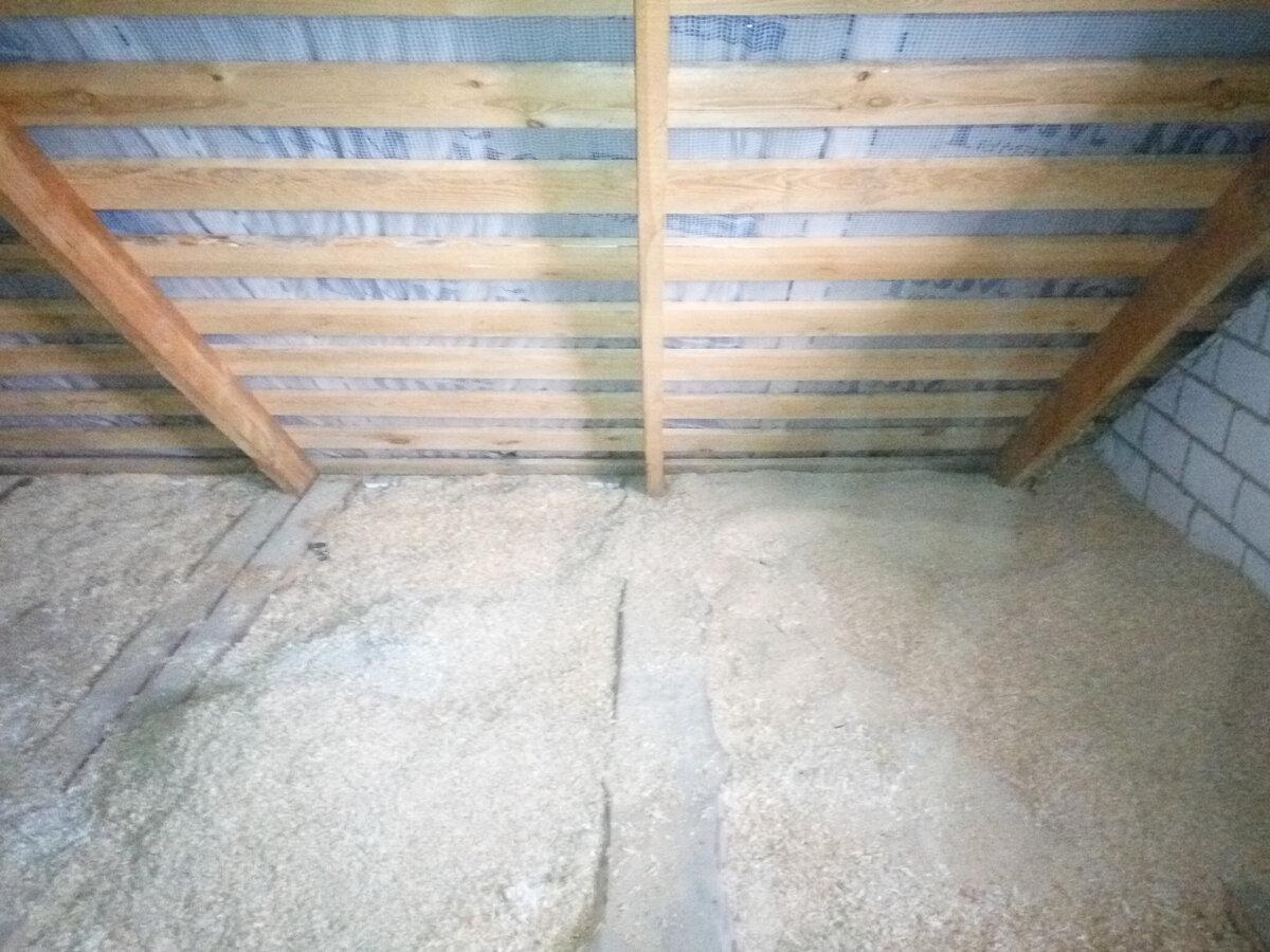 Утепление потолка в бане: способы и их преимущества