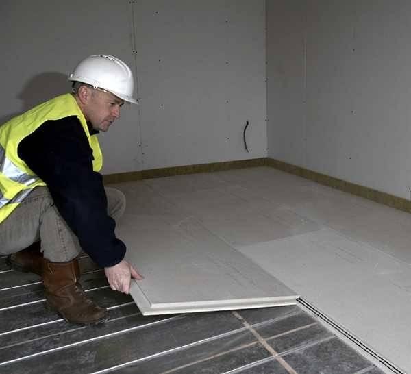 Влагостойкий гвл на пол под плитку: укладка на деревянную и бетонную поверхность на клей, пеноплекс и керамзит (видео)
