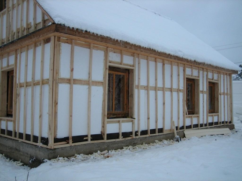 Утепление потолка бани пенопластом: плюсы и минусы