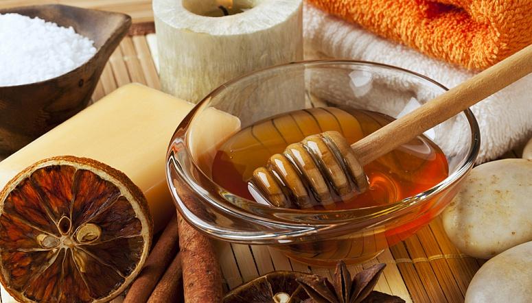 Использовать в бане можно и мёд, и боль в спине сразу пройдёт!