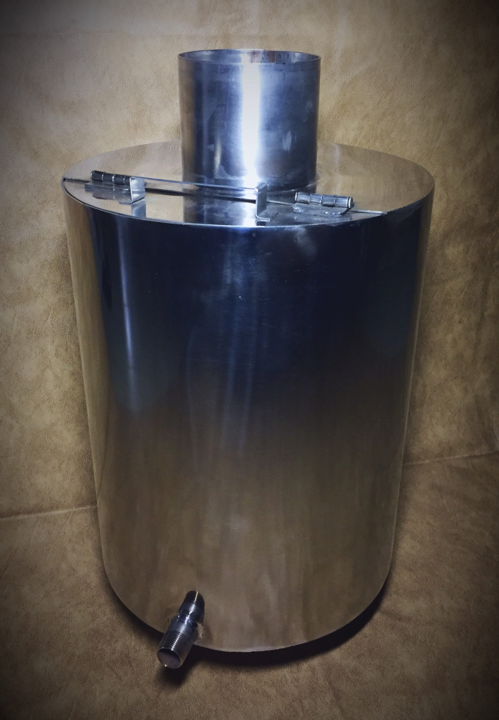 Бак под горячую воду в баню